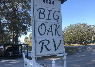 big-oak-rv-sign